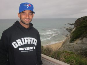 Image from KOM alumni tells of his Oz experience