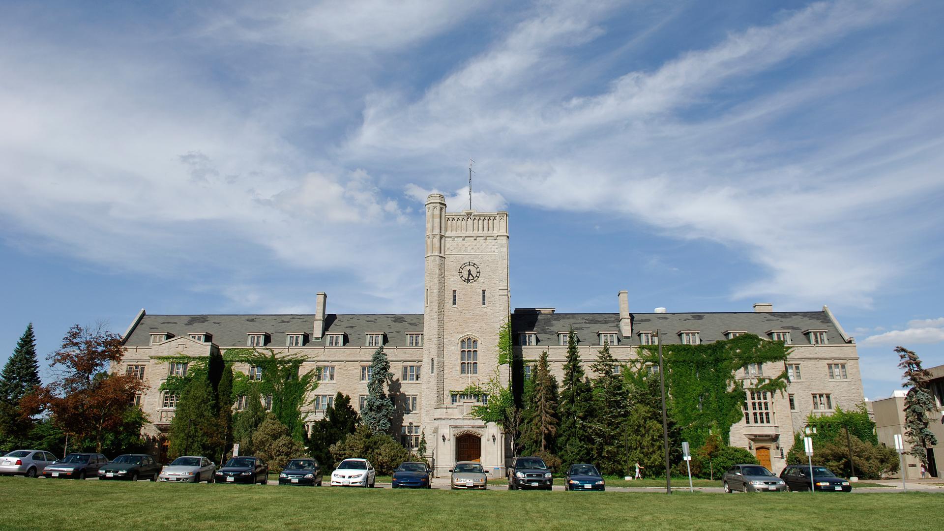 Kết quả hình ảnh cho university of Guelph